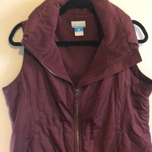 Columbia Burgundy Red Zipped Vest